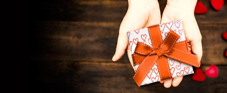 Nyerj ajándékot Kedvesednek 100.000 Ft értékben!